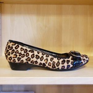 Bandolino leather fur leopard print kitten wedge